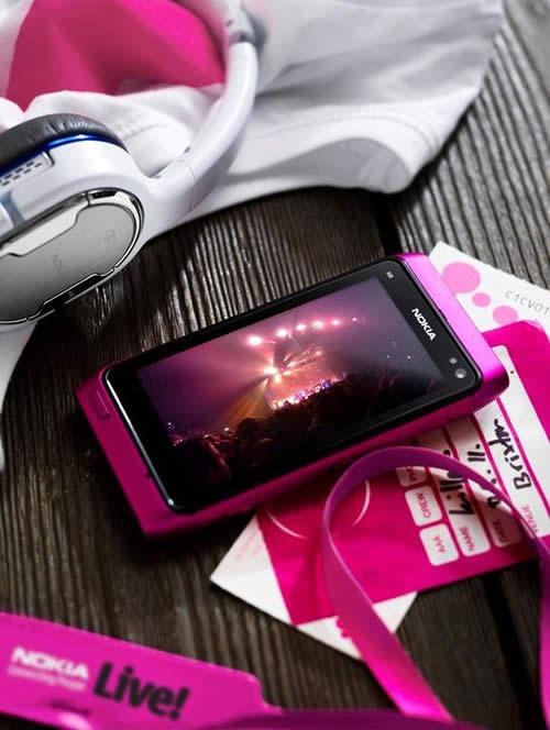Nokia-N8-Pink-3